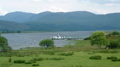 Acharacle Pier, Loch Shiel close to the campsite (© © Copyright Oliver Dixon (https://www.geograph.org.uk/profile/3462) and licensed for reuse (http://www.geograph.org.uk/reuse.php?id=137807) under this Creative Commons Licence (https://creativecommons.org/licenses/by-sa/2.0/).)