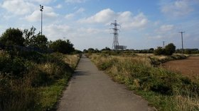The former Withernsea to Hull rail line near the caravan site (© © Copyright Ian S (https://www.geograph.org.uk/profile/48731) and licensed for reuse (http://www.geograph.org.uk/reuse.php?id=3694944) under this Creative Commons Licence (https://creativecommons.org/licenses/by-sa/2.0/).)
