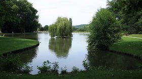 In the region - Saint Remy les Chevreuse Lake Beausejour (© By Lionel Allorge (Own work) [GFDL (http://www.gnu.org/copyleft/fdl.html) or CC BY-SA 3.0 (http://creativecommons.org/licenses/by-sa/3.0)], via Wikimedia Commons (GFDL: https://en.wikipedia.org/wiki/GNU_Free_Documentation_License, original photo: https://commons.wikimedia.org/wiki/File:Saint_Remy_les_Chevreuse_Lake_Beausejour_04.jpg))