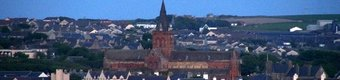 St Magnus Cathedral, Kirkwall near the caravan park (© © Copyright Mike Pennington (https://www.geograph.org.uk/profile/9715) and licensed for reuse (http://www.geograph.org.uk/reuse.php?id=4989676) under this Creative Commons Licence (https://creativecommons.org/licenses/by-sa/2.0/).)