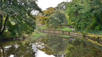 River Wansbeck, Carlisle Park Morpeth  (© © Copyright Jim Barton (https://www.geograph.org.uk/reuse.php?id=5556200) and licensed for reuse (https://www.geograph.org.uk/reuse.php?id=5556200) under this Creative Commons Licence (https://creativecommons.org/licenses/by-sa/2.0/).)