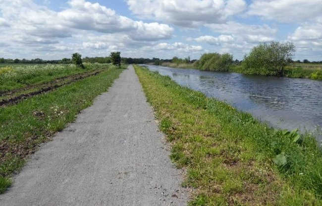 Sheffield and South Yorkshire Navigation Stainforth and Keadby canal  (© © Copyright Steve Fareham (https://www.geograph.org.uk/profile/15341) and licensed for reuse (https://www.geograph.org.uk/reuse.php?id=4965522) under this Creative Commons Licence (https://creativecommons.org/licenses/by-sa/2.0/).)