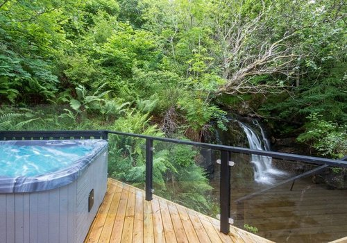 Photo of Lodge: Waterfall, 3-Bed Lodge with Hot Tub