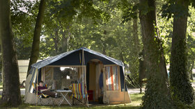 Picture of Chertsey Camping and Caravanning Club Site, Surrey