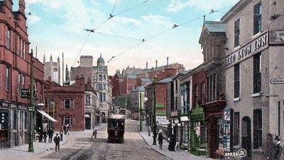 Bridge Street Stockport postcard (© By JV (Family album) [Public domain or Public domain], via Wikimedia Commons)