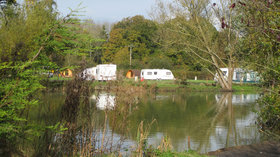 Sumners Ponds Campsite & Fishery camping pods - Hire a camping pod in Sussex at  Sumners Ponds Campsite & Fishery for holidays near Horsham (© Practical Caravan)