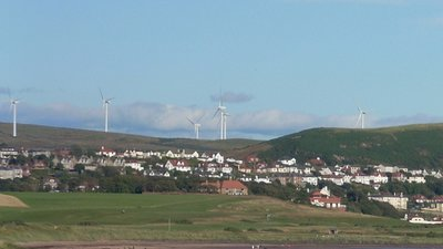West_Kilbride_from_Portencross (© By The original uploader was Dreamer84 at English Wikipedia [CC BY 2.5 (http://creativecommons.org/licenses/by/2.5)], via Wikimedia Commons (original photo: https://commons.wikimedia.org/wiki/File:West_Kilbride_from_Portencross.jpg))