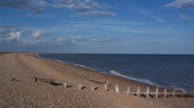 The Beach. Winchelsea (© Ehojlund [Public domain], via Wikimedia Commons)
