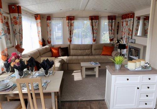 Photo of Holiday Home/Static caravan: Platinum 2 Bed Pet Friendly Caravan with Deck, Sleeps 4
