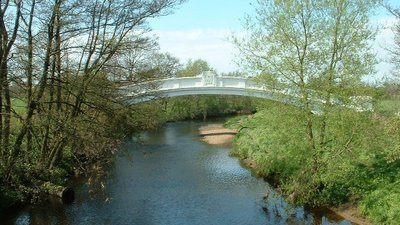 River Wyre, Garstang near the caravan site (© © Copyright David Medcalf (https://www.geograph.org.uk/profile/180) and licensed for reuse (http://www.geograph.org.uk/reuse.php?id=7004) under this Creative Commons Licence (https://creativecommons.org/licenses/by-sa/2.0/).)