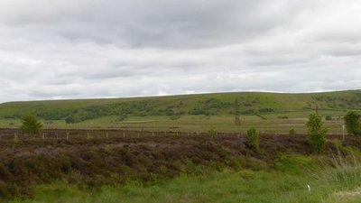 Pylons on Lockton High Moor  (© © Copyright David Smith (https://www.geograph.org.uk/profile/708) and licensed for reuse (http://www.geograph.org.uk/reuse.php?id=4577089) under this Creative Commons Licence (https://creativecommons.org/licenses/by-sa/2.0/).)