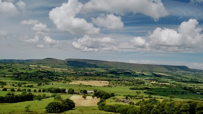 In the region: Blue skies over Chipping, Lancashire (© By OZMON (Own work) [CC BY-SA 3.0 (http://creativecommons.org/licenses/by-sa/3.0)], via Wikimedia Commons (original photo: https://commons.wikimedia.org/wiki/File:Blue_skies_over_Chipping,_Lancashire,_UK.JPG))