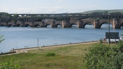 Three bridges at Berwick-upon-Tweed near the caravan park (© © Copyright M J Richardson (https://www.geograph.org.uk/profile/15498) and licensed for reuse (http://www.geograph.org.uk/reuse.php?id=4559560) under this Creative Commons Licence (https://creativecommons.org/licenses/by-sa/2.0/).)
