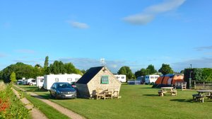 Shropshire holidays - Abdo Hill Farm Glamping Caravanning & Camping
