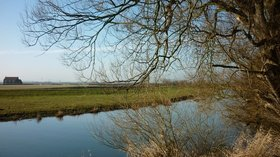 The River Hull near to Pulfin Nature Reserve close to the caravan site (© © Copyright Ian S (https://www.geograph.org.uk/profile/48731) and licensed for reuse (http://www.geograph.org.uk/reuse.php?id=2258176) under this Creative Commons Licence (https://creativecommons.org/licenses/by-sa/2.0/).)