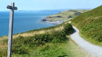 Wales Coast Path, Aberystwyth  (© © Copyright Robin Drayton (https://www.geograph.org.uk/profile/15303) and licensed for reuse (https://www.geograph.org.uk/reuse.php?id=5051728) under this Creative Commons Licence (https://creativecommons.org/licenses/by-sa/2.0/).)
