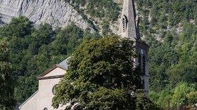 Église Saint-Laurent (© By Édouard Hue (User:EdouardHue) (Own work) [CC BY-SA 3.0 (http://creativecommons.org/licenses/by-sa/3.0)], via Wikimedia Commons)