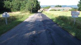 Les Taureaux (D221 Brugheas) (© By Tabl-trai (Own work) [CC BY-SA 3.0 (http://creativecommons.org/licenses/by-sa/3.0)], via Wikimedia Commons (original photo: https://commons.wikimedia.org/wiki/File:Les_Taureaux_(D_221_Brugheas)_2015-06-23.JPG))