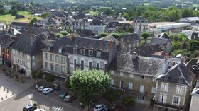 Panorama Allassac, Corrèze (© By Grobert (Own work) [GFDL (http://www.gnu.org/copyleft/fdl.html) or CC BY-SA 3.0 (http://creativecommons.org/licenses/by-sa/3.0)], via Wikimedia Commons (GFDL copy: https://en.wikipedia.org/wiki/GNU_Free_Documentation_License, original photo: https://commons.wikimedia.org/wiki/File:Panorama_Allassac_Corr%C3%A8ze.jpg))
