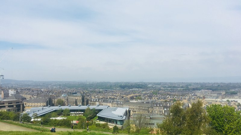 Calton Hill view - Calton Hill is a hill in central Edinburgh,situated beyond the east end of Princes Street and included in the city's UNESCO World Heritage Site. (© 2018 Doriane Steyaert)