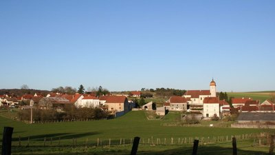 One of the villages in teh region - Le village de VANNE (Haute Saone) (© By Pourvoyeur (Own work) [CC BY-SA 3.0 (http://creativecommons.org/licenses/by-sa/3.0)], via Wikimedia Commons (original photo: https://commons.wikimedia.org/wiki/File:Le_village_de_VANNE_Haute_Saone_(France).jpg))