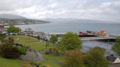 Dunoon Pier near the caravan park (© By Scanbus at English Wikipedia (Original text: Scanbus) [GFDL (http://www.gnu.org/copyleft/fdl.html), CC-BY-SA-3.0 (http://creativecommons.org/licenses/by-sa/3.0/) or Public domain], via Wikimedia Commons (GFDL copy: https://en.wikipedia.org/wiki/GNU_Free_Documentation_License, original photo: https://commons.wikimedia.org/wiki/File:Dunoon_Pier.jpg))