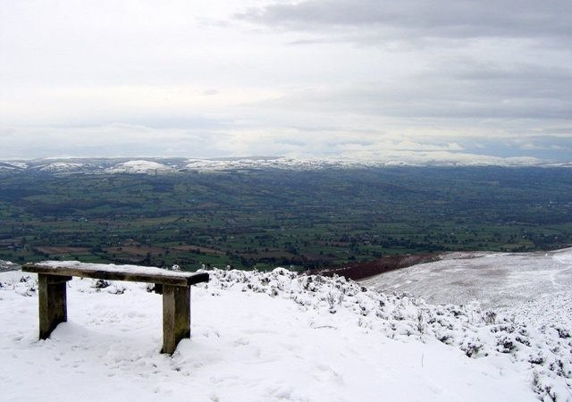 A seat with a view to Snowdonia  - Beautiful, snowy Snowdonia (© © Copyright John S Turner (https://www.geograph.org.uk/profile/8378) and licensed for reuse (https://www.geograph.org.uk/reuse.php?id=1030604) under this Creative Commons Licence (https://creativecommons.org/licenses/by-sa/2.0/).)