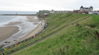 West Cliff, Whitby  (© © Copyright G Laird (https://www.geograph.org.uk/profile/27852) and licensed for reuse (http://www.geograph.org.uk/reuse.php?id=5528658) under this Creative Commons Licence (https://creativecommons.org/licenses/by-sa/2.0/).)