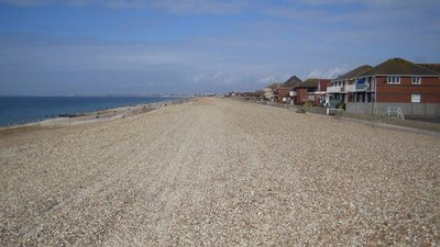 Hayling Island: Eastoke Beach (© © Copyright Nigel Cox (http://www.geograph.org.uk/profile/2798) and licensed for reuse (http://www.geograph.org.uk/reuse.php?id=148159) under this Creative Commons Licence (https://creativecommons.org/licenses/by-sa/2.0/).)