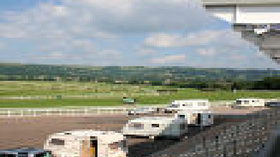 Picture of Cheltenham Racecourse Caravan Club Site, Oxfordshire, Central South England