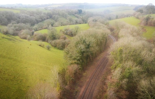 Looe Valley Line  (© © Copyright N Chadwick (https://www.geograph.org.uk/profile/3101) and licensed for reuse (https://www.geograph.org.uk/reuse.php?id=5841224) under this Creative Commons Licence (https://creativecommons.org/licenses/by-sa/2.0/).)