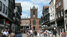 Chester - The Cross (© By Wolfgang Sauber (Own work) [GFDL (http://www.gnu.org/copyleft/fdl.html) or CC BY-SA 3.0 (https://creativecommons.org/licenses/by-sa/3.0)], via Wikimedia Commons (original photo: https://commons.wikimedia.org/wiki/File:Chester_-_The_Cross.jpg, GFDL copy: https://en.wikipedia.org/wiki/GNU_Free_Documentation_License))