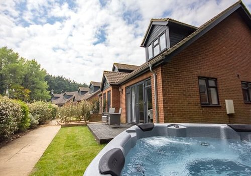 Photo of Lodge: 3-Bedroom Premium Cottage with Hot Tub, Pet Friendly, Sleeps 6