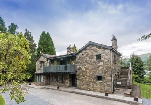 Photo of Park Home: Loch Tay House with Hot Tub, 5 Bedrooms