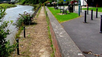 Riverside track in Carmarthen  (© © Copyright Jaggery (https://www.geograph.org.uk/profile/39302) and licensed for reuse (https://www.geograph.org.uk/reuse.php?id=4619279) under this Creative Commons Licence (https://creativecommons.org/licenses/by-sa/2.0/).)