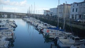 Port de La Flotte, Ile de Ré (© By Mariiwakura (Own work) [CC0], via Wikimedia Commons)
