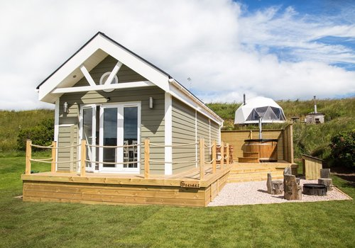 Photo of Lodge: Deluxe Pet-Friendly Beach Hut with Hot Tub