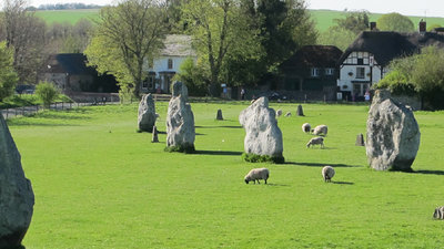 Visit Wiltshire - Visit Avebury's mysterious standing stones during your caravan holidays in Wiltshire (© Practical Caravan / Claudia Dowell)