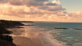 Saint Brieuc Bay (© By CiprianApetrei (Own work) [CC BY-SA 4.0 (http://creativecommons.org/licenses/by-sa/4.0)], via Wikimedia Commons (original photo: https://commons.wikimedia.org/wiki/File:Saint_Brieuc_Bay_II.jpg))