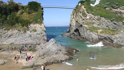 The Island, Newquay - © Copyright Peter Lelliott (http://www.geograph.org.uk/profile/21024) and licensed for reuse (http://www.geograph.org.uk/reuse.php?id=653063) under this Creative Commons Licence (https://creativecommons.org/licenses/by-sa/2.0/).
