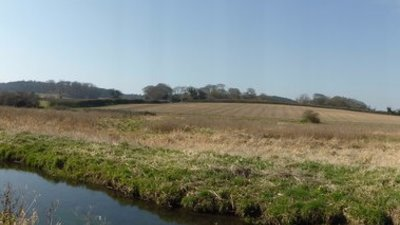 In Norfolk: Panorama of the River Glaven and valley, near Glandford (© © Copyright helen e (http://www.geograph.org.uk/profile/3473) and licensed for reuse (http://www.geograph.org.uk/reuse.php?id=4402270) under this Creative Commons Licence (https://creativecommons.org/licenses/by-sa/2.0/).)