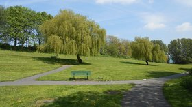 Town Park, Winsford (© By Rept0n1x (Winsford (131)) [CC BY-SA 2.0 (https://creativecommons.org/licenses/by-sa/2.0)], via Wikimedia Commons (original photo: https://commons.wikimedia.org/wiki/File:Town_Park,_Winsford_(2).jpg))