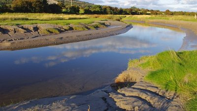 River Keer estuary  (© © Copyright Ian Taylor (https://www.geograph.org.uk/profile/9148) and licensed for reuse (http://www.geograph.org.uk/reuse.php?id=2084584) under this Creative Commons Licence (https://creativecommons.org/licenses/by-sa/2.0/).)