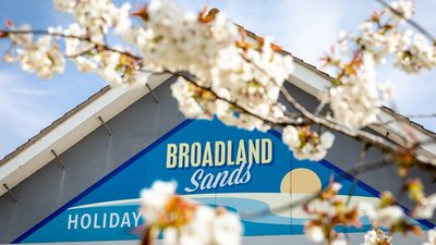 2019_Broadland_Sands_SUFFOLK_clubhouse_sign_6720x4480 (1)