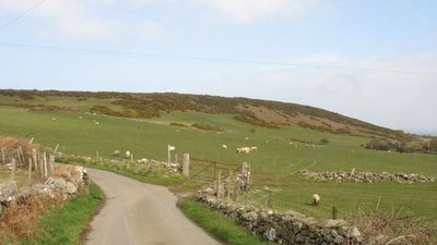 The south-eastern slopes of Mynydd Eilian  (© © Copyright Eric Jones (https://www.geograph.org.uk/profile/7056) and licensed for reuse (http://www.geograph.org.uk/reuse.php?id=748035) under this Creative Commons Licence (https://creativecommons.org/licenses/by-sa/2.0/).)