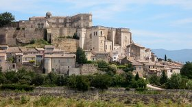 Chateau de Grignan - panoramio (© Jfdo [CC BY-SA 3.0 (http://creativecommons.org/licenses/by-sa/3.0)], via Wikimedia Commons (original photo: https://commons.wikimedia.org/wiki/File:Chateau_de_Grignan,_France_-_panoramio.jpg))