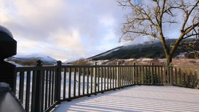 Log cabin with hot tub Scotland - Balquhidder Braes deluxe log cabin