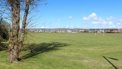 London Road Playing Field, Stranraer  (© © Copyright Billy McCrorie (https://www.geograph.org.uk/profile/22650) and licensed for reuse (http://www.geograph.org.uk/reuse.php?id=4929214) under this Creative Commons Licence (https://creativecommons.org/licenses/by-sa/2.0/).)