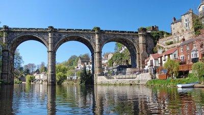 Knaresborough_Viaduct_from_River_Nidd