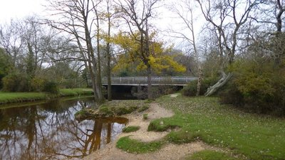 Brockenhurst Bridge  (© © Copyright Mike Faherty (https://www.geograph.org.uk/profile/30470) and licensed for reuse (https://www.geograph.org.uk/reuse.php?id=3224951) under this Creative Commons Licence (https://creativecommons.org/licenses/by-sa/2.0/).)